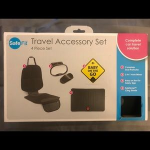 Other - Baby travel accsessory set